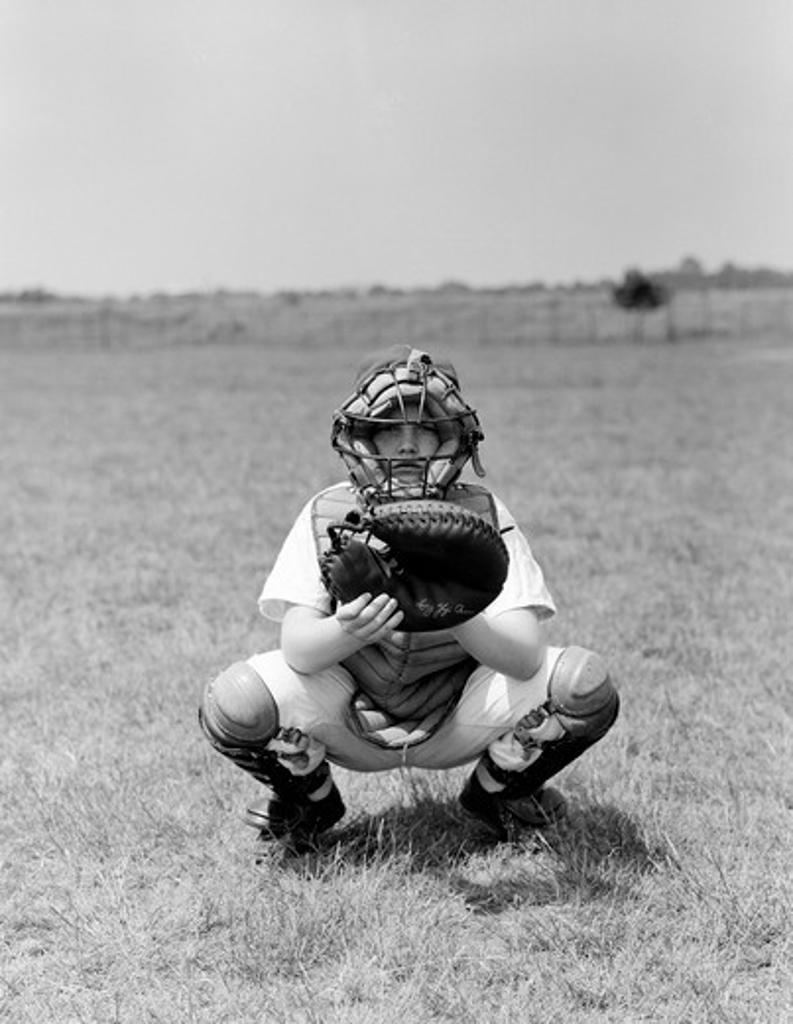 Stock Photo: 255-419357 Baseball catcher waiting for ball