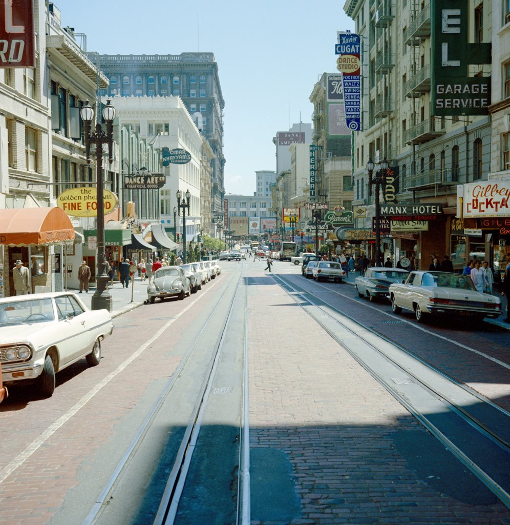 Stock Photo: 255-419599 USA, California, San Francisco, Looking down Grant Street toward market