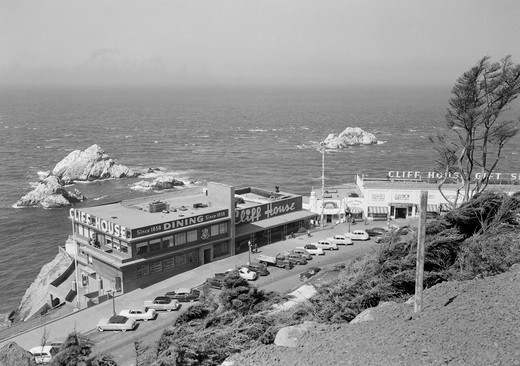 Stock Photo: 255-419975 USA, California, San Francisco, Seal Rocks and Cliff House