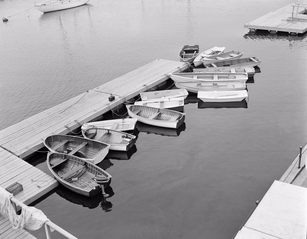 Stock Photo: 255-421519 USA, Connecticut, Fairfield, boats at dock