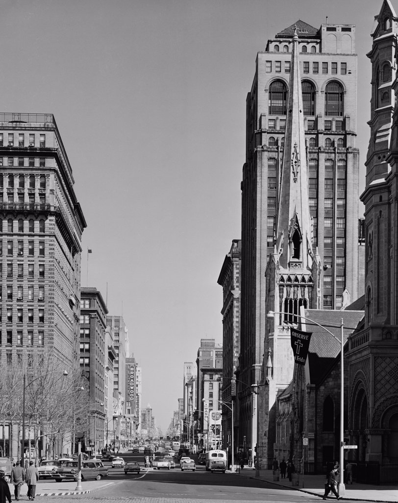 Stock Photo: 255-421783 USA, Pennsylvania, Philadelphia, View of North Broad Street from City Hall