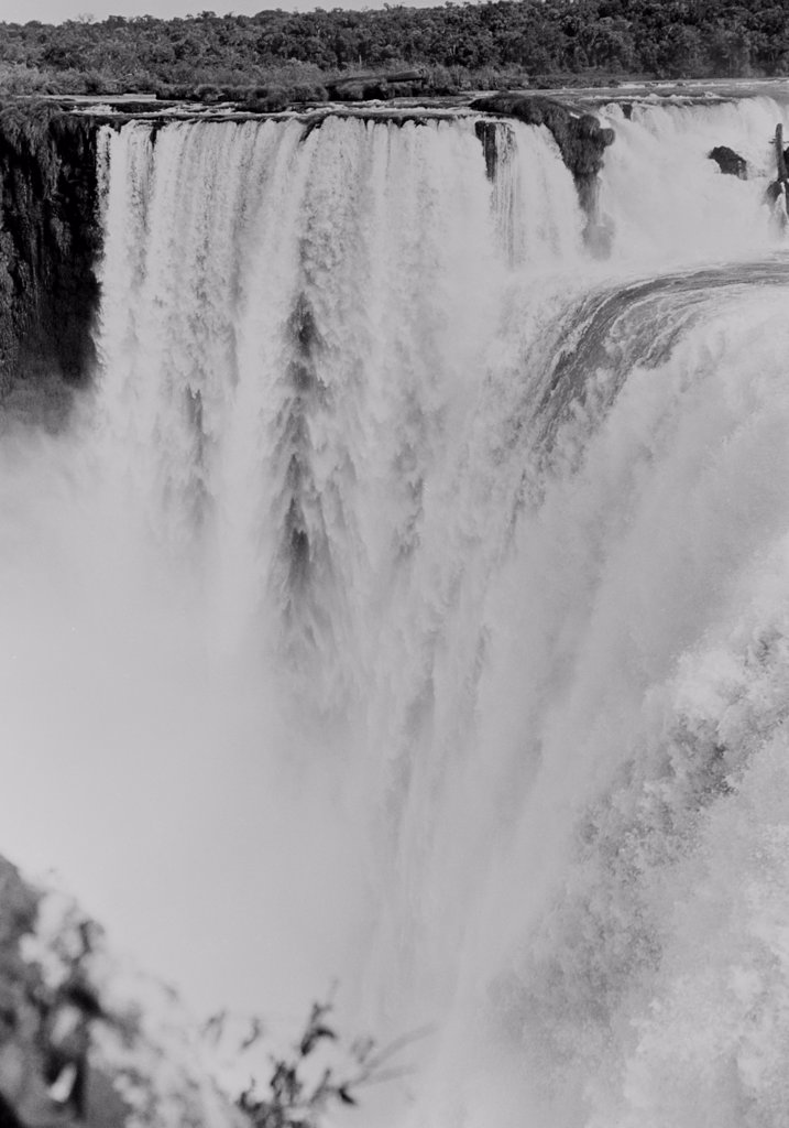 Stock Photo: 255-422048 Brazil, Iguassu Falls