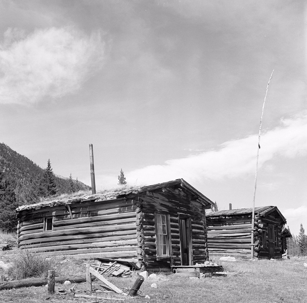 USA, Colorado, Winfield, Cabins in ghost town : Stock Photo