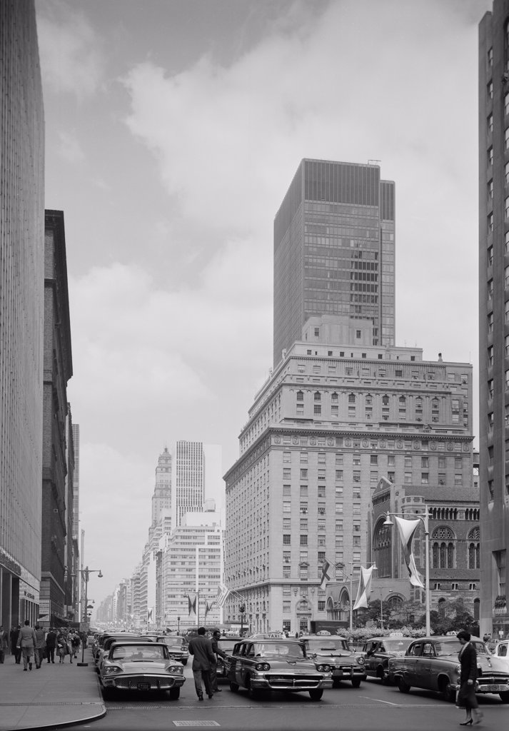 USA, New York State, New York City, Park Avenue looking North from 49th Street : Stock Photo