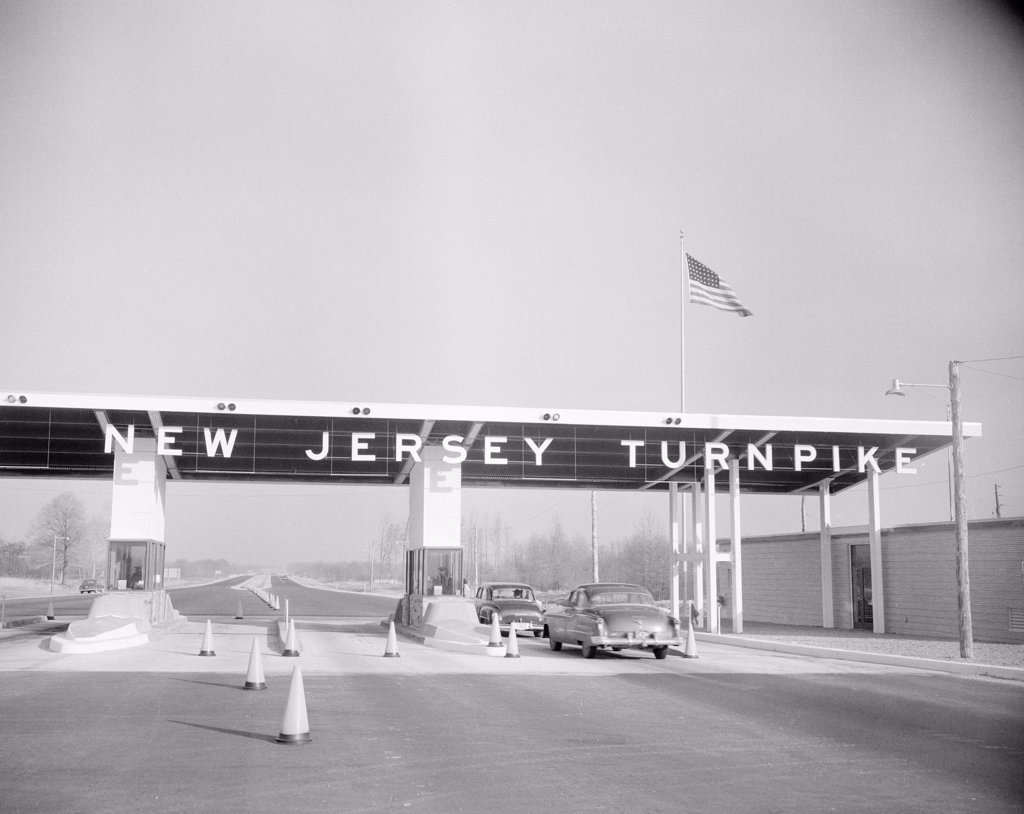 Stock Photo: 255-423217 USA, New Jersey, Entrance to Jersey Turnpike