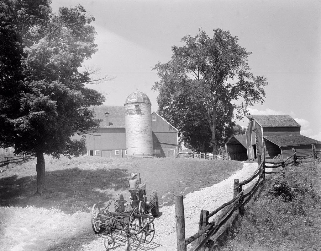 Stock Photo: 255-423642 USA, Connecticut, Watertown, Farm scene