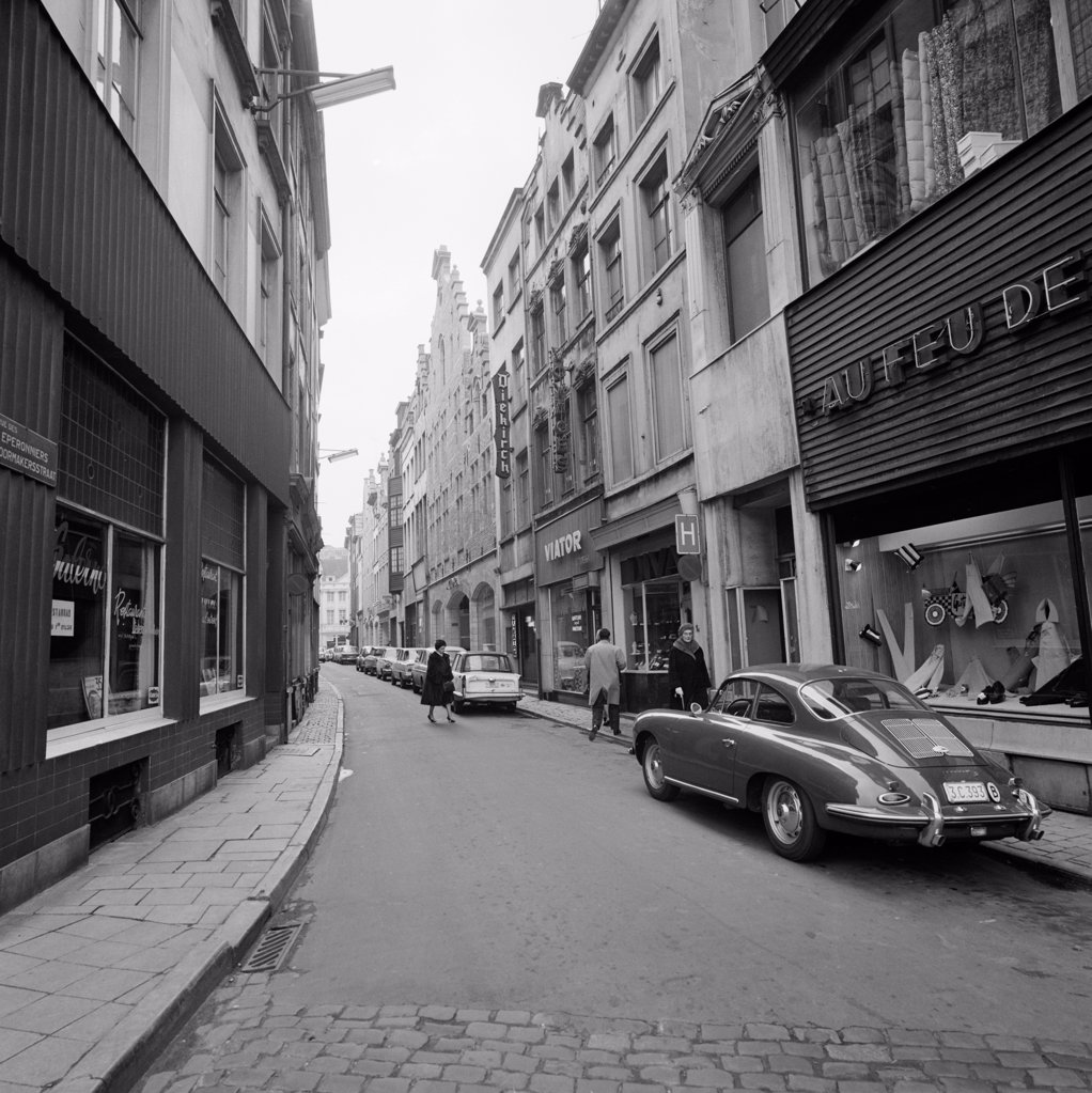 Stock Photo: 255-424219 Belgium, Brussels, cars parked in narrow street