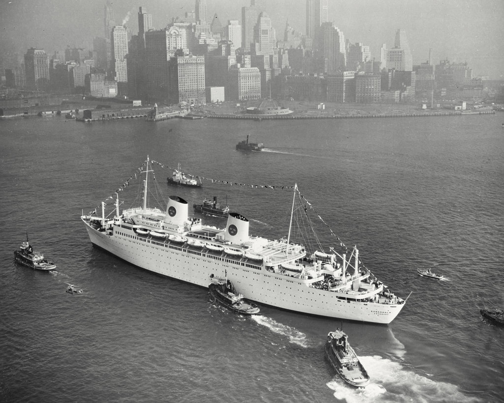 Stock Photo: 255-44341 USA, New York State, New York City, High angle view of cruise ship in sea