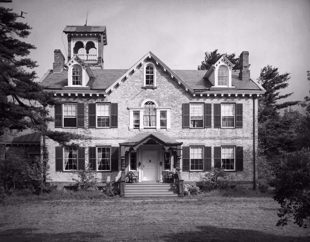 Stock Photo: 255-44854 Facade of a house, Lindenwald, Home of US President Martin Van Buren, Kinderhook, New York State, USA