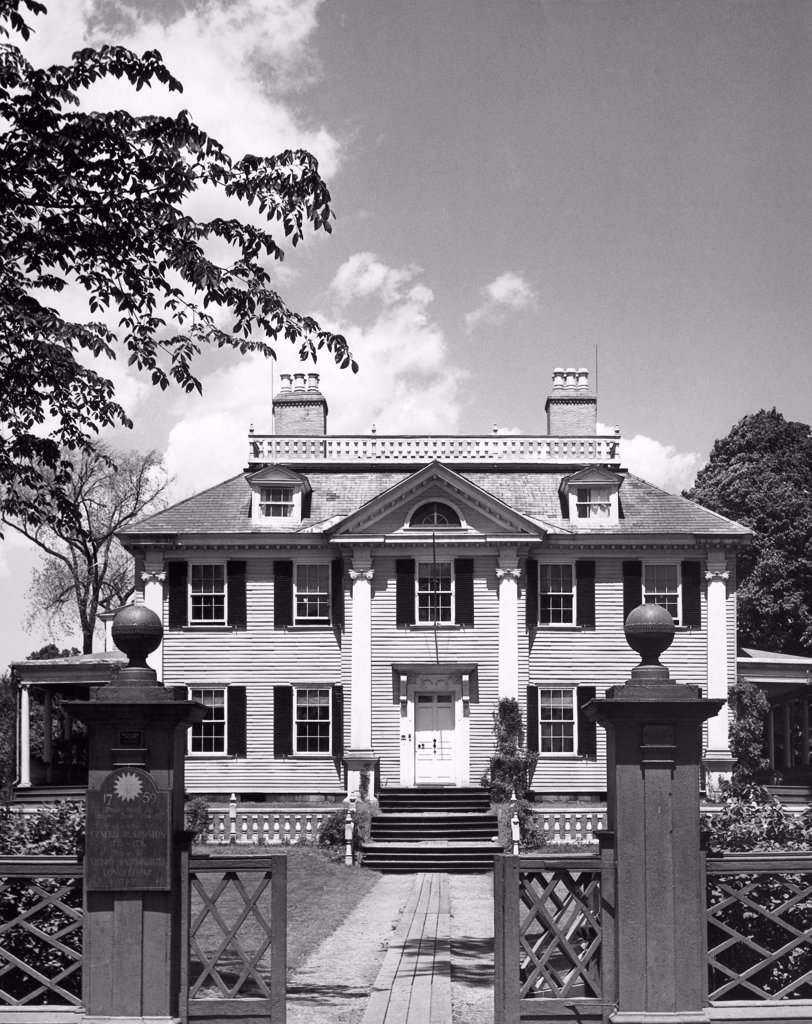 Facade of a house, Longfellow House, Longfellow National Historic Site, Cambridge, Massachusetts, USA : Stock Photo