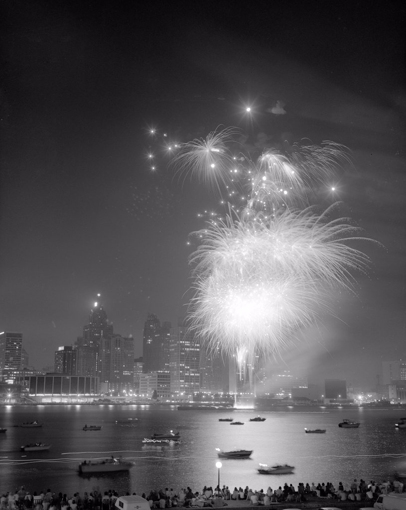 Stock Photo: 255-49285 Fireworks exploding over skyline