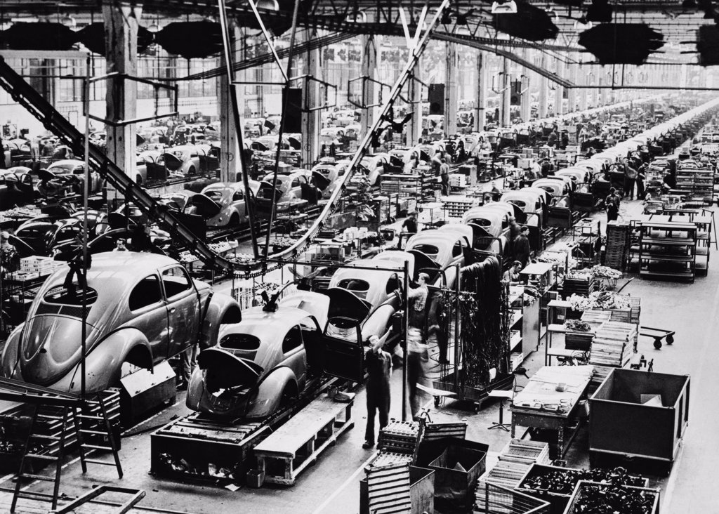 Stock Photo: 255-5525 Cars being assembled in an automobile manufacturing plant, Wolfsburg, Germany