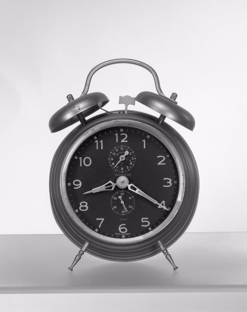 Stock Photo: 255-7666 Old fashioned alarm clock