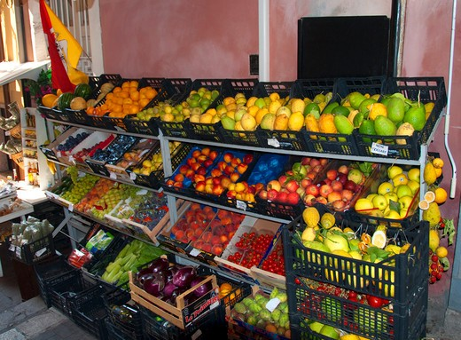 Fruits and vegetables at a market stall : Stock Photo