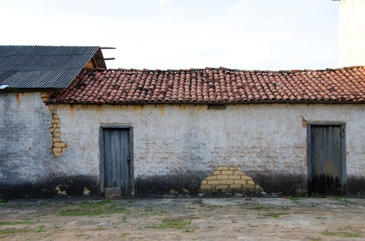 Stock Photo: 3138-537415 Old farmhouse in a town, Vale Do Capao, Bahia, Brazil