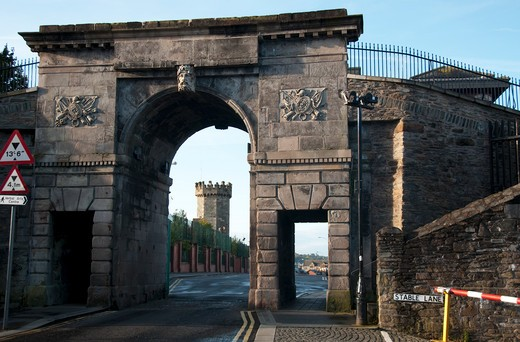 Castle viewed through an archway, Derry, Londonderry, Northern Ireland : Stock Photo