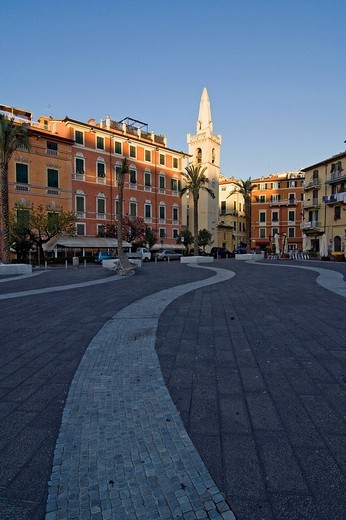 piazza garibaldi e l´oratorio di san rocco, golfo dei poeti, lerici, liguria, italy : Stock Photo