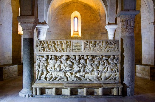 Stock Photo: 3153-576809 europe, italy, marche, osimo, dome, sepulchre
