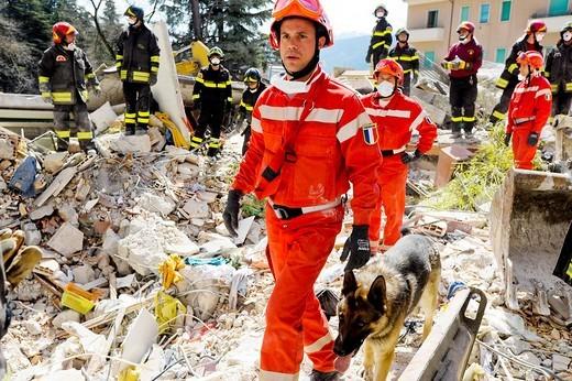 earthquake 2009 aprile, l´aquila, abruzzo, italy : Stock Photo
