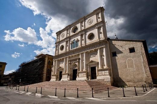 Stock Photo: 3153-577858 reconstruction 2009 june, chiesa di san bernardino, l´aquila, abruzzo, italy