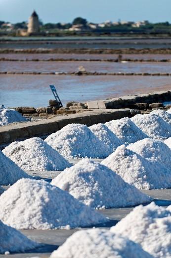 Stock Photo: 3153-580158 ettore e infersa saltworks, mozia, italy