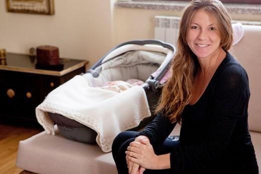 neonata e mamma : Stock Photo