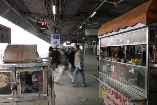 stazione ferroviaria, agra, uttar pradesh, india : Stock Photo