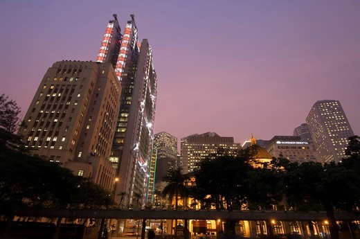Stock Photo: 3153-590255 L to R Sin Hua Bank and HSBC Building, Central district, Hong Kong, China.