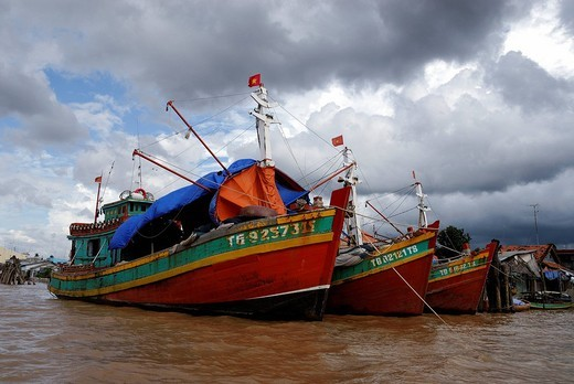 Fisherman boat, Can Tho, Mekong, Vietnam : Stock Photo