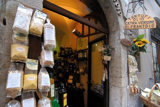 Stock Photo: 3153-596451 food shop, spoleto, umbria, italy
