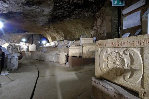 europe, italy, toscana, chiusi, cathedral, maze of porsenna, epigraphic museum : Stock Photo
