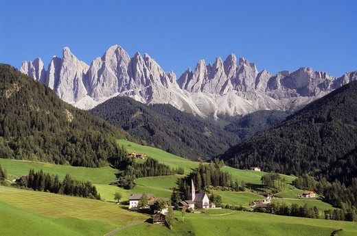 europe, italy, alto adige, dolomites, val di funes, santa maddalena and odle mountain : Stock Photo