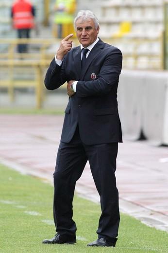 giuseppe papadopulo bologna trainer, bologna 2009, serie a football championship 2008_2009, bologna_catania : Stock Photo