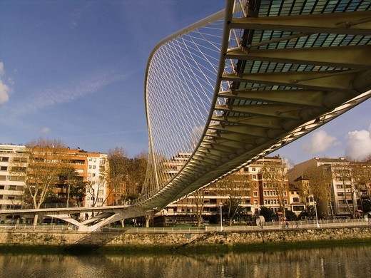 Stock Photo: 3153-613389 europe, spain, basque country, bilbao, bridge across the nervion river