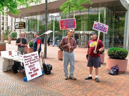 Stock Photo: 3153-615729 manifestation against the american troops in iraq, seattle, washington, usa