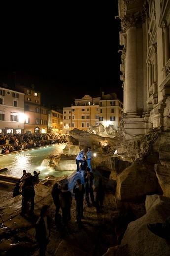 fontana di trevi, rome, lazio, italy : Stock Photo
