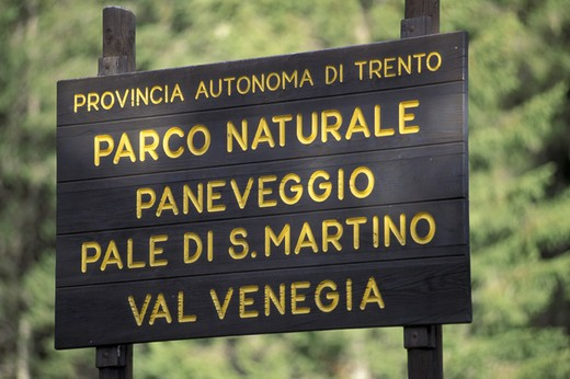 Stock Photo: 3153-618263 park signs, paneveggio park, italy