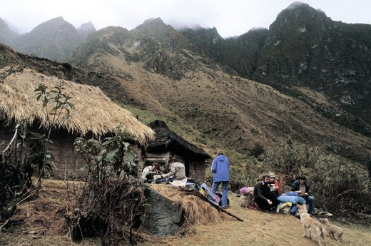 Stock Photo: 3153-622072 peru, inca path, wamllaba village