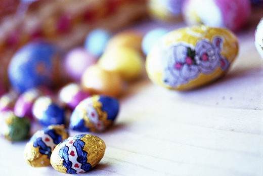 Stock Photo: 3153-623915 celebrations, easter, chocolate eggs