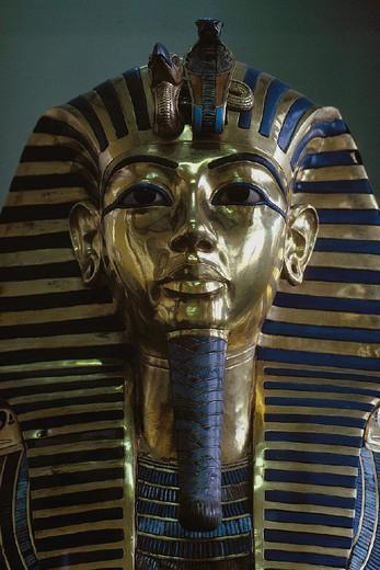 Stock Photo: 3153-624454 egypt, cairo archaeological museum tutankhamon funeral mask