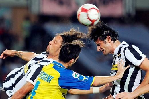 amauri, andrea mantovani, vincenzo iaquinta, italian football championship 2009_2010 : Stock Photo