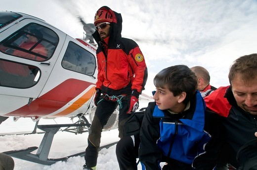 Stock Photo: 3153-633833 Helicopter and alpine rescue