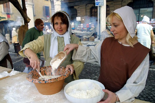 Stock Photo: 3153-641588 italy, veneto, montagnana, historical recalling