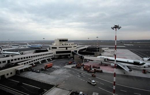 Stock Photo: 3153-642773 italy, malpensa airport