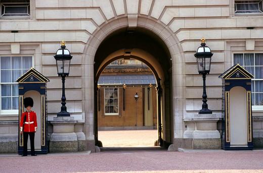 Stock Photo: 3153-650258 england, london, buckingham palace