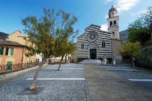 Stock Photo: 3153-654207 italy, liguria, levanto, gothic church