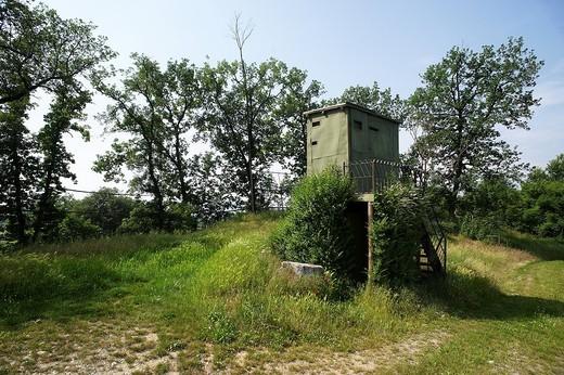 postazione di caccia tra le vigne, calino, franciacorta : Stock Photo