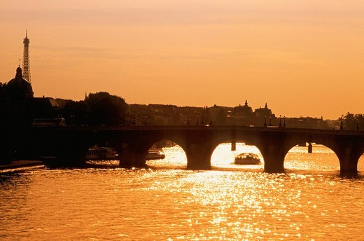 Stock Photo: 3153-667670 europe, france, paris, seine river