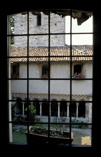 voltorre´s cloister, gavirate, italy : Stock Photo