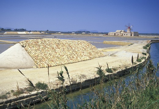 ettore e infersa saltworks, mozia, italy : Stock Photo